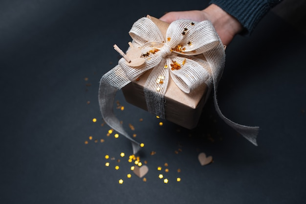 Caixa de presente eco com glitter e corações