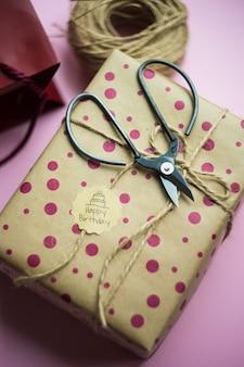 Caixa de presente em rosa