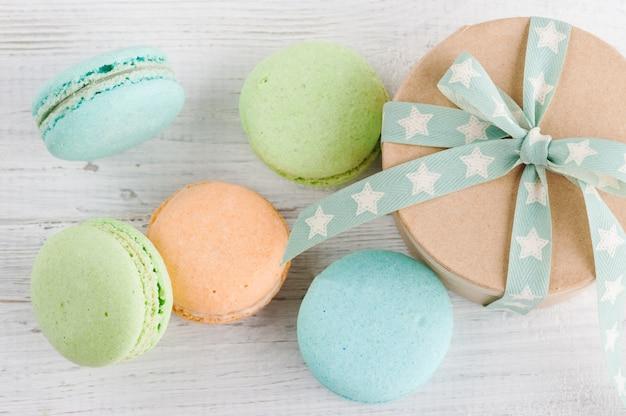 Caixa de presente, macaroons pastel