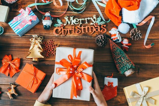 Caixa de presente na época do natal.