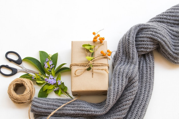 Caixa de presente para dia especial com tricô