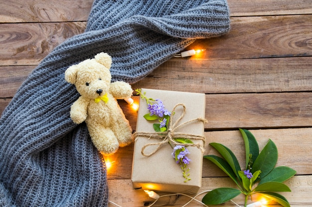 Caixa de presente para um dia especial com ursinho