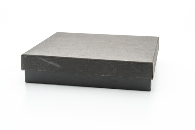 Caixa de presente preta em fundo branco