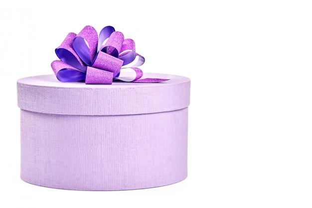 Caixa de presente redonda com um laço