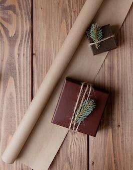 Caixa de presente vintage com laço de madeira
