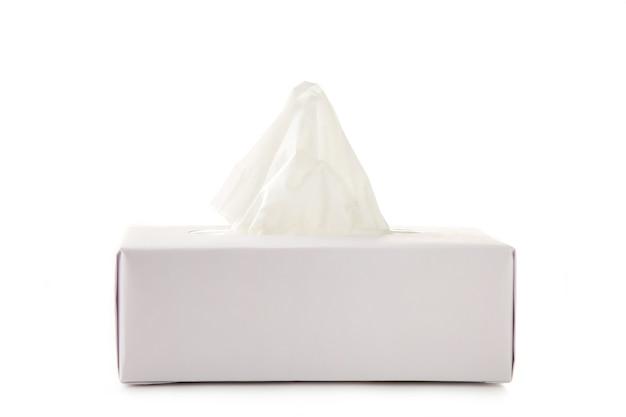 Caixa de tecido isolada em um branco