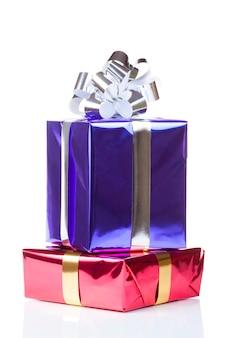 Caixas coloridas com presentes de natal