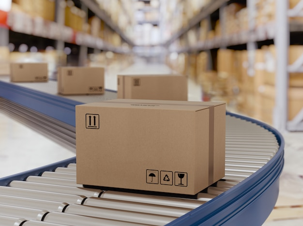 Caixas de papelão em rolos transportadores prontos para serem enviados pelo correio para distribuição.