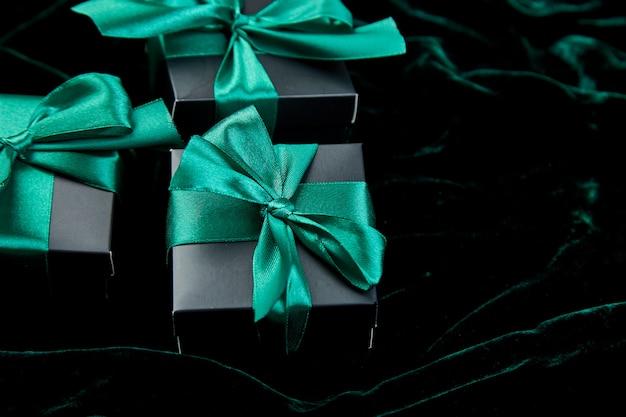 Caixas de presente de luxo preto com fita esmeralda