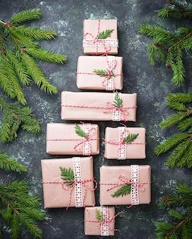 Caixas de presente de natal em forma de árvore