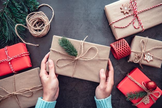Caixas de presente e decorações para o natal