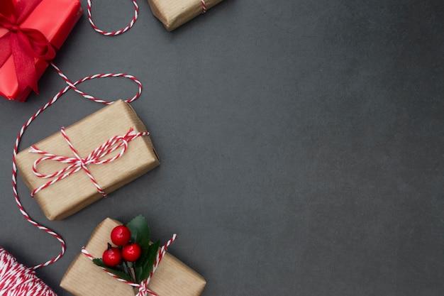 Caixas de presente. fundo de natal com espaço de cópia. férias de inverno.