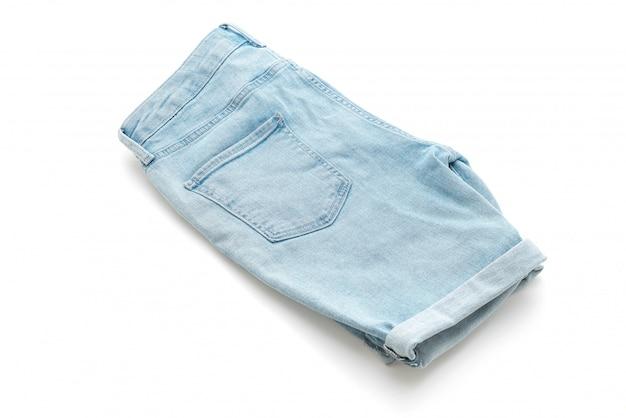 Calça jeans curta isolado