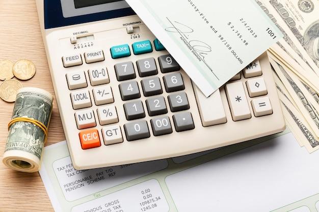 Calculadora de alto ângulo e arranjo de dinheiro