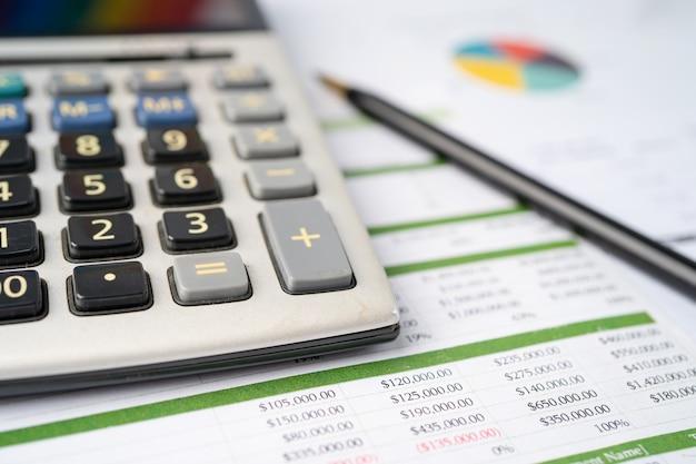 Calculadora em papel milimetrado desenvolvimento financeiro banca