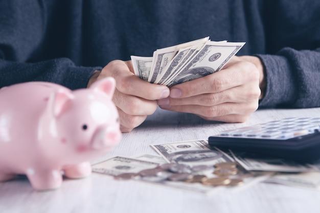 Cálculo de dinheiro para armazenamento no futuro