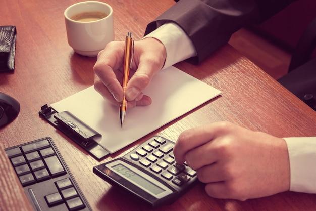 Cálculos do empresário