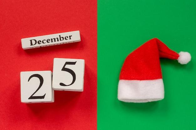 Calendário 25 de dezembro e chapéu de papai noel
