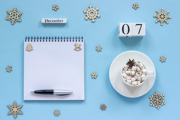 Calendário 7 de dezembro xícara de cacau e marshmallow