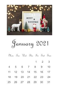 Calendário aberto de janeiro de 2021, composição de natal