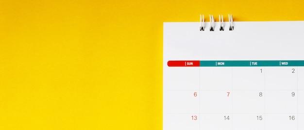 Calendário de feriados para funcionários da empresa