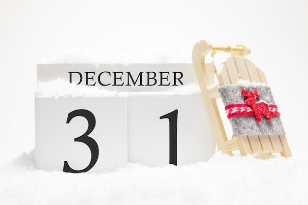 Calendário de madeira para 31 de dezembro do dia de inverno.