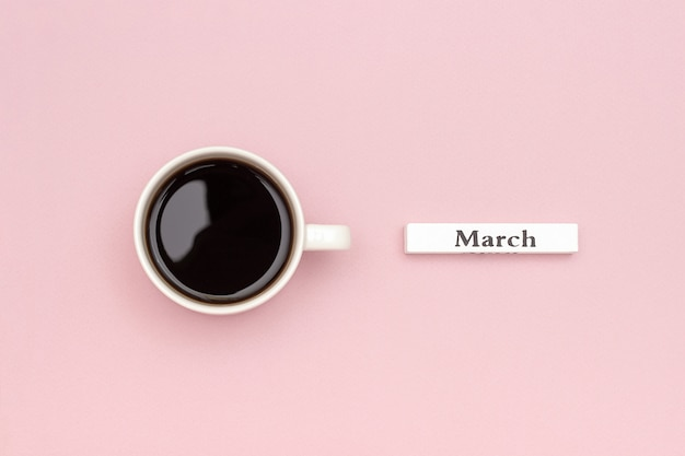 Calendário de madeira primavera mês de março