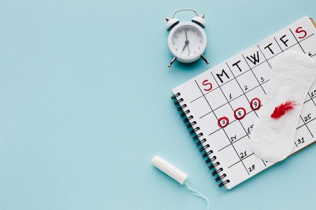 Calendário de período com espaço de cópia