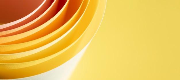 Camadas de página de resumo em fundo amarelo