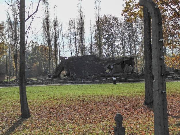 Câmara de gás destruída em auschwitz, um campo de concentração