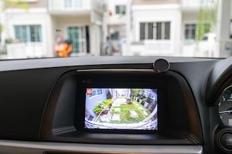 Câmara de vídeo traseira automotiva