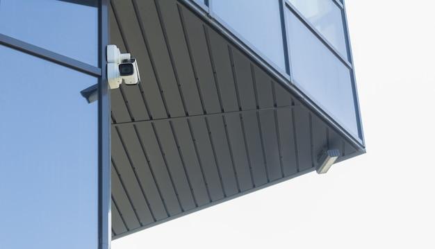 Câmara de videovigilância para protecção do território. câmera de segurança. equipamento de vídeo na rua.