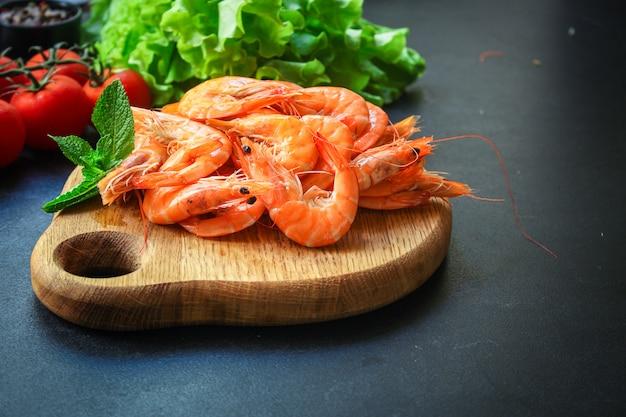 Camarão cozido frutos do mar pronto para comer camarão