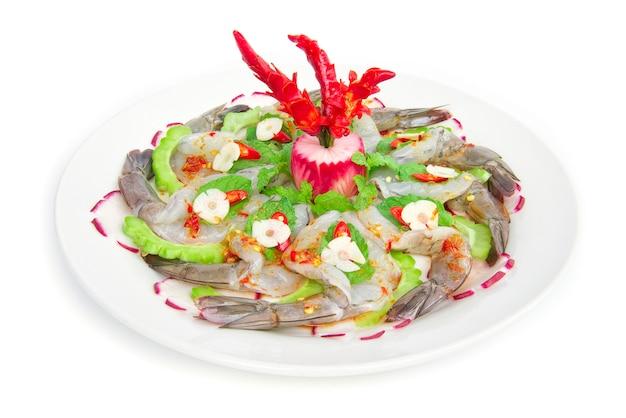 Camarão em molho de peixe salada picante com frutos do mar cobertos