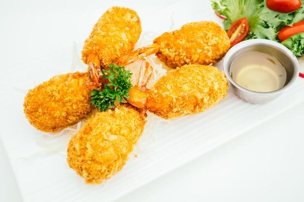 Camarão frito profundo ou bolo de camarão