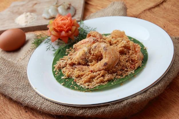 Camarão ninho frito