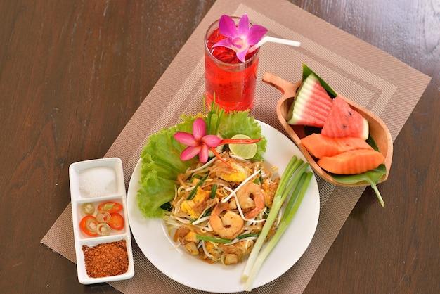 Camarão pad thai, comida tailandesa