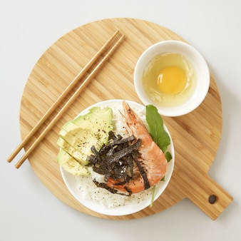 Camarão sashimi arroz poke bowl food