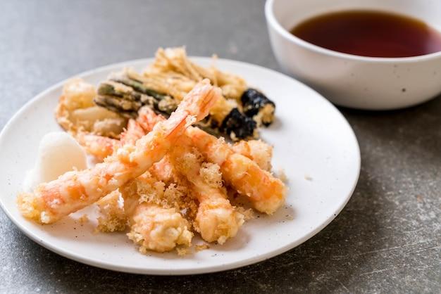 Camarão tempura frito camarão frito com legumes