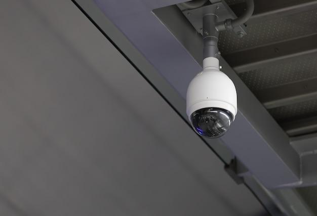 Câmera de segurança cctv no aeroporto