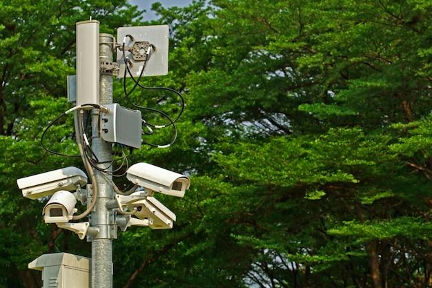 Câmera de segurança cctv no parque