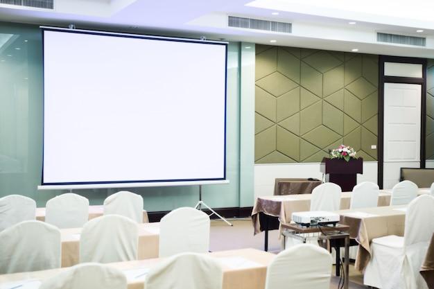 Câmera de vídeo na sala de conferências para a profissão