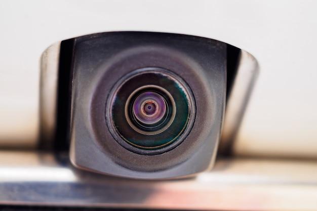 Câmera de visão traseira do carro close-up para assistência no estacionamento