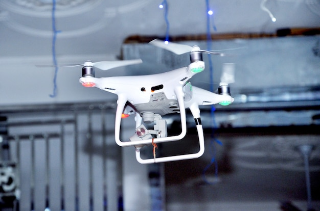 Câmera drone voando em casamento e festa