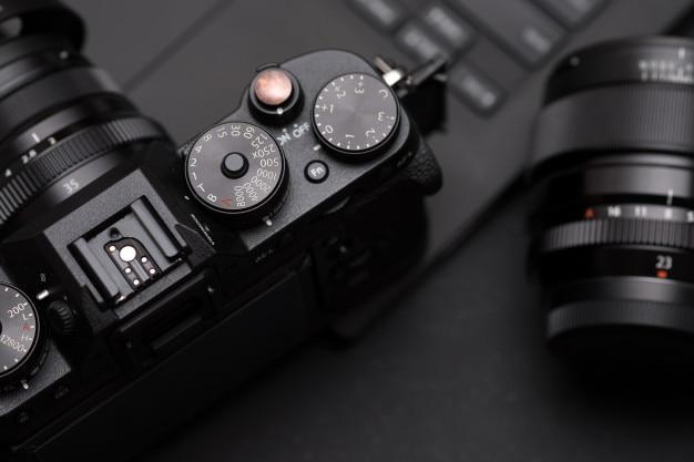 Câmera e lente sem espelho