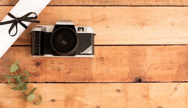 Câmera fotográfica de vista superior com cópia-espaço