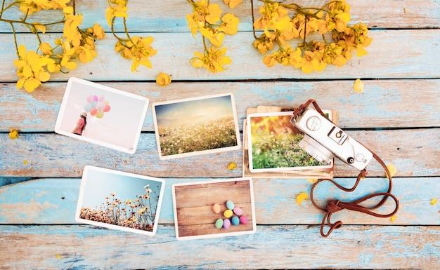 Câmera retro e vazio velho álbum de fotos de papel