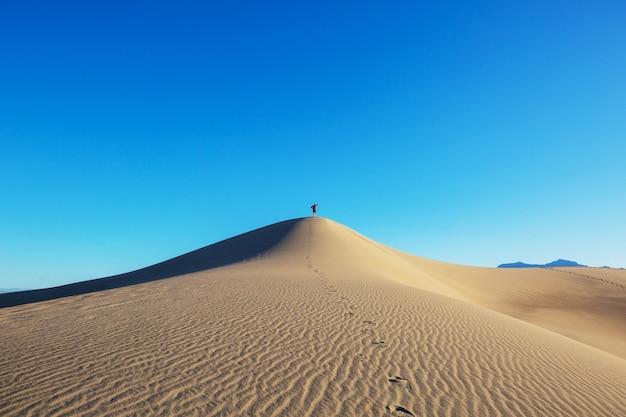Caminhada no deserto de areia