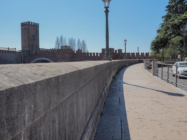 Caminhada ribeirinha de verona itália