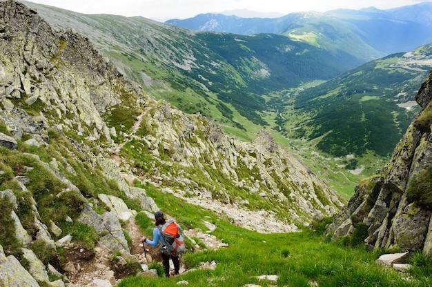 Caminhadas de verão nas montanhas